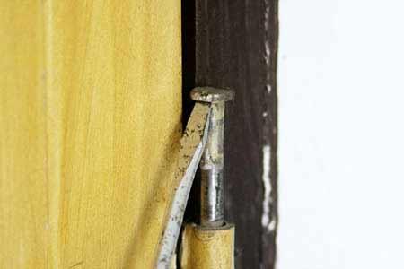 تعمیرات درب چوبی, تعمیرات درب کنترلی