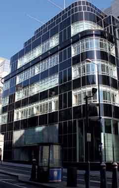 حفاظ-پنجره-آهنی-و-فولادی-فرفورژه