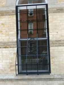 حفاظ استیل پنجره دوجداره و حفاظ های ضد سرقت