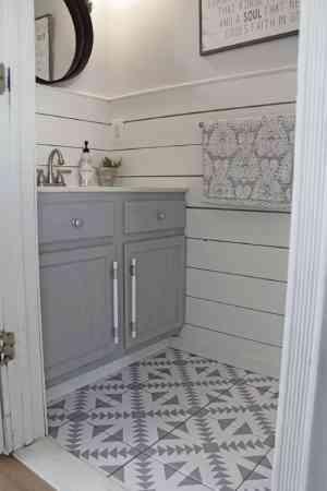 برچسب کاشی دستشویی و حمام